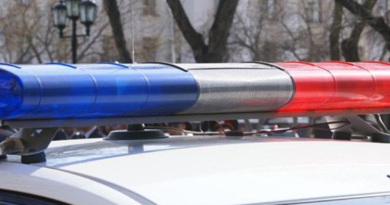 Полицейскими в Магадане установлена женщина, совершившая кражу 40 тысяч рублей из салона автомобиля