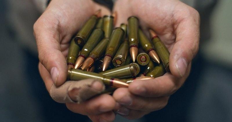 За приобретение и хранение более 200 боевых патронов на магаданца завели уголовное дело