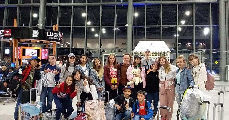 Группа юных колымчан вернулась домой из всероссийского детского центра «Океан»