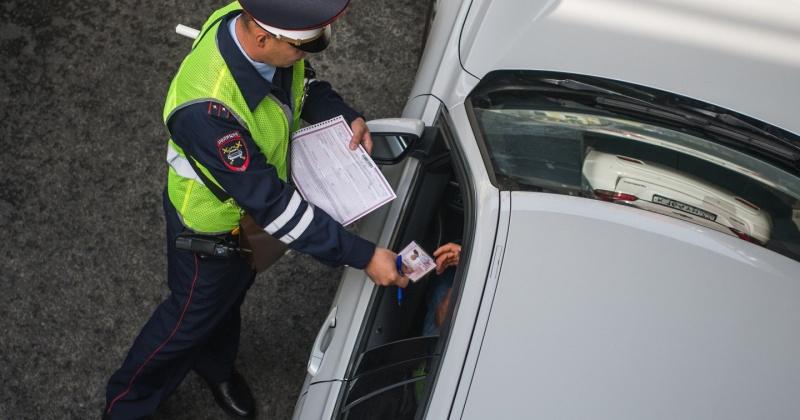 За минувшие сутки на территории Магаданской области сотрудниками ГИБДД выявлено 125 нарушений Правил дорожного движения