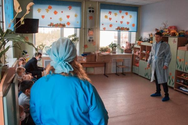 В Магаданском областном противотуберкулезном диспансере прошла акция «Собери ребенка в школу»