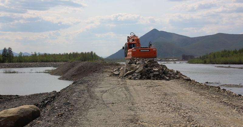 Продолжаются работы по ликвидации паводка на автодороге Палатка – Кулу - Нексикан