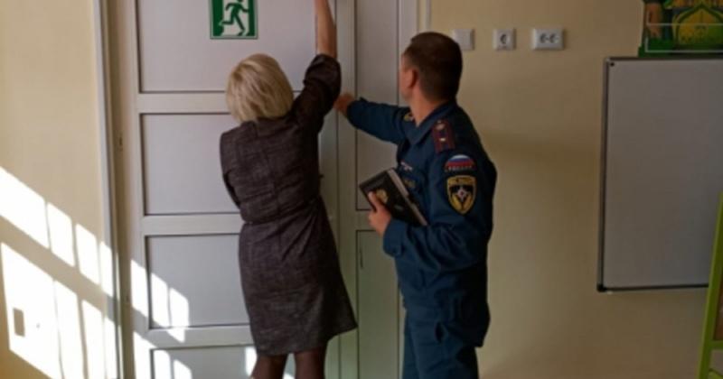 Сотрудники МЧС провели проверку пожарной безопасности в детском саду №39