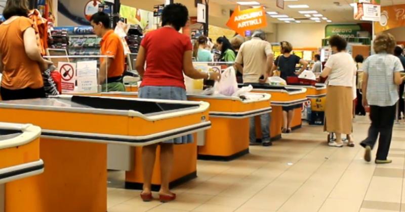 Как обманывают на кассе супермаркета при расчете банковской картой