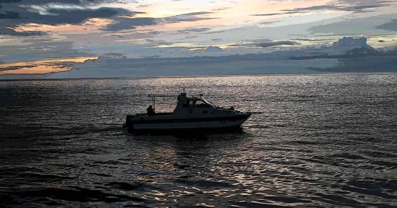 В Магадане в районе каменного венца бухты Нагаева спасатели эвакуировали двух туристов