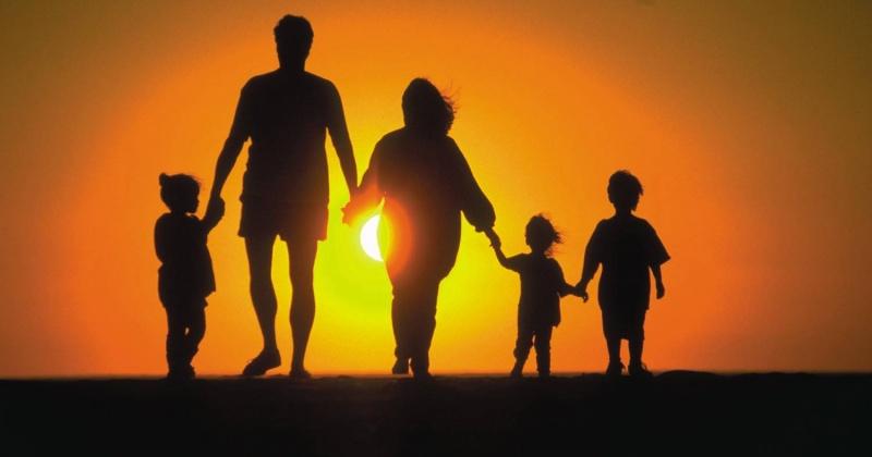 Колымские многодетные семьи могут рассчитывать на списание части ипотечного кредита в сумме 450 тысяч рублей