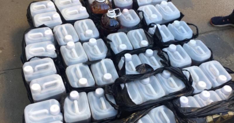 Полицейские в Магадане изъяли около тонны спиртосодержащей продукции