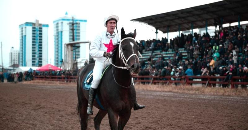Житель Англии собирается преодолеть путь из Магадана до Лондона на якутских чистопородных лошадях