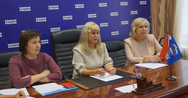 Партийцы совместно с всероссийской организацией «Воспитатели России» организовали прием родителей дошкольников