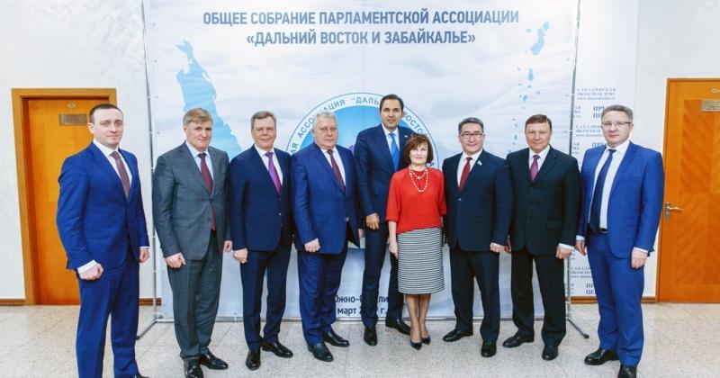Сергей Абрамов поздравил нового председателя Парламентской Ассоциации «Дальний Восток и Забайкалье» с избранием на должность