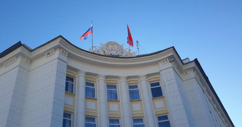 На заседании регионального правительства обсудили ряд рабочих встреч губернатора в Правительстве РФ, в частности, с министром здравоохранения России Вероникой Скворцовой
