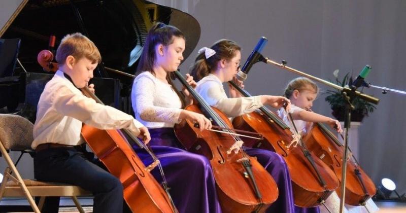 Колымские дети будут обучаться музыке на новых инструментах