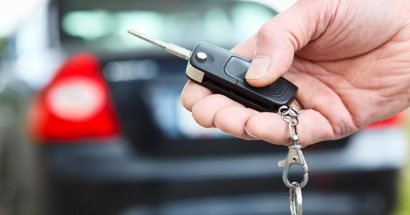 В Магадане патрульные полицейские нередко обнаруживают незапертые автомобили