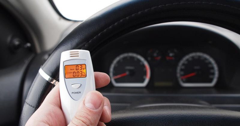 Российских водителей заставят сдавать анализы на хронический алкоголизм и наркоманию