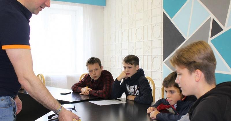 В магаданском детском технопарке «Кванториум» начались первые занятия