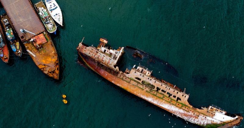 В Магадане готовят расчеты для подъема затопленных судов в бухте Нагаева