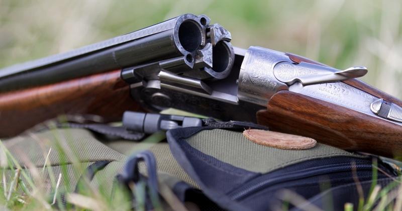Магаданка сдала полицейским охотничье ружье, которое она нашла