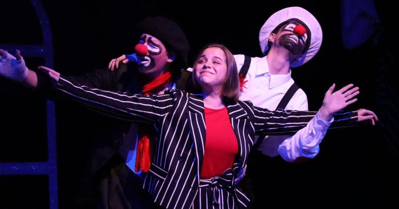 Свое творчество на фестивале «Открытый занавес» в Магадане представили 30 любительских театральных коллективов