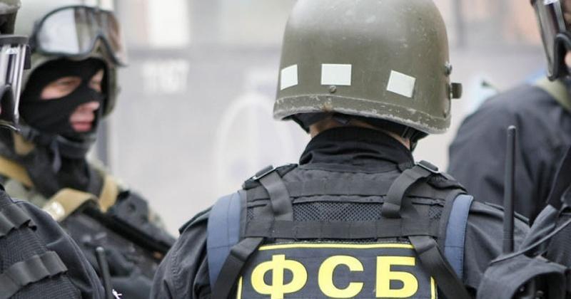 Вооружённые группа захватила в заложники сотрудников налоговой инспекции в Магадане