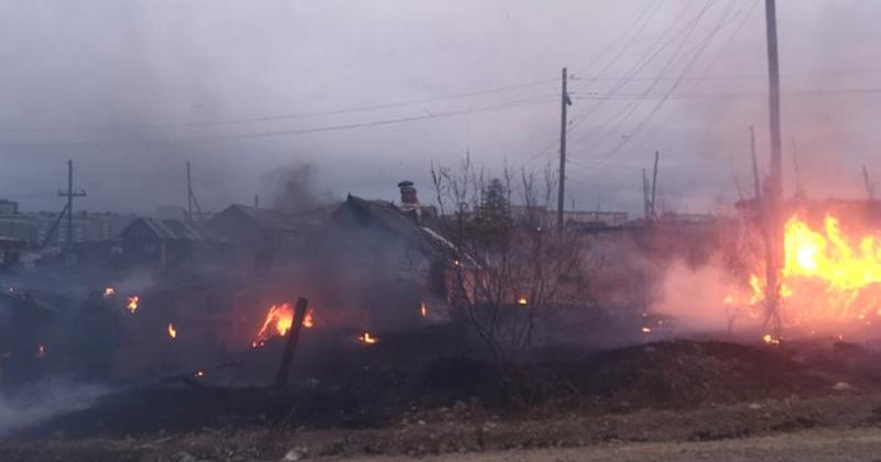 Пожарные в Магадане спасли жилой дом от огня