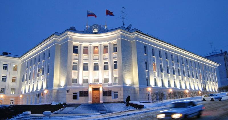 24 ноября 1942 года в Магадане сдано в эксплуатацию здание Управления НКВД по Дальстрою