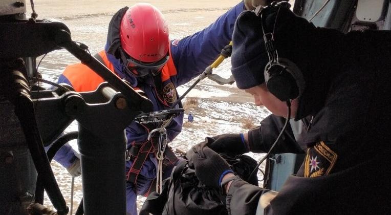 Спасатели Магадана и авиаторы Хабаровского авиационно-спасательного центра провели совместную тренировку