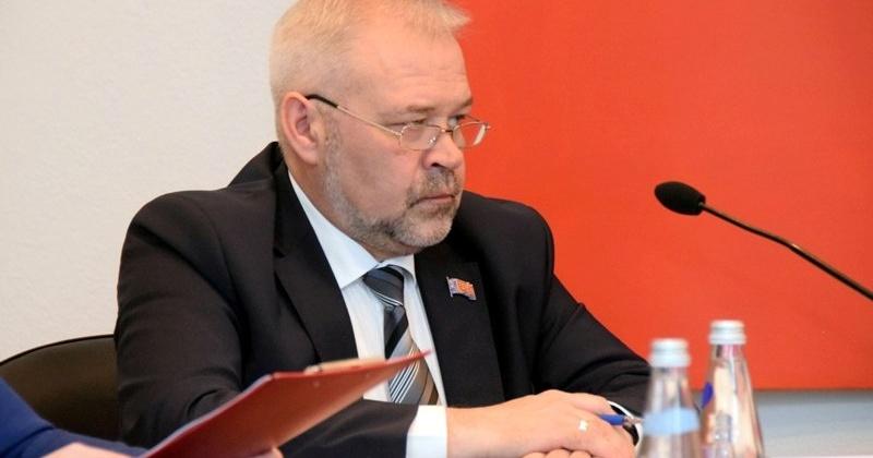 Андрей Зыков: Работа депутатов позволяет быть в курсе нужд и чаяний семей