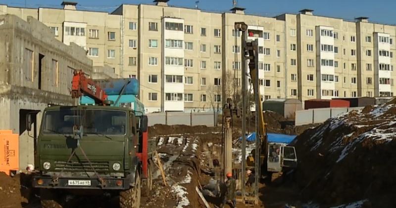 Сотни жителей Магадана могут остаться без солнечного света из-за новостройки