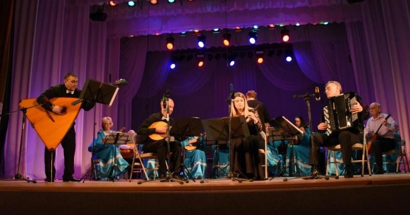 Ансамбль русских народных инструментов «Арт-квартет» отметил свое 10-летие праздничным концертом в Магадане