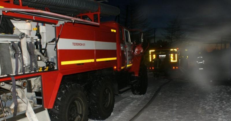 Чердак частного дома горел в Магадане по улице Ольховая