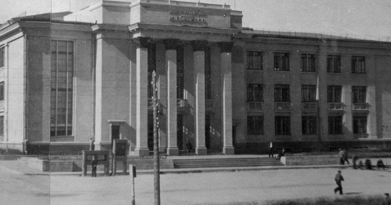 81 года назад театр имени М. Горького в Магадане пополнился новыми артистами