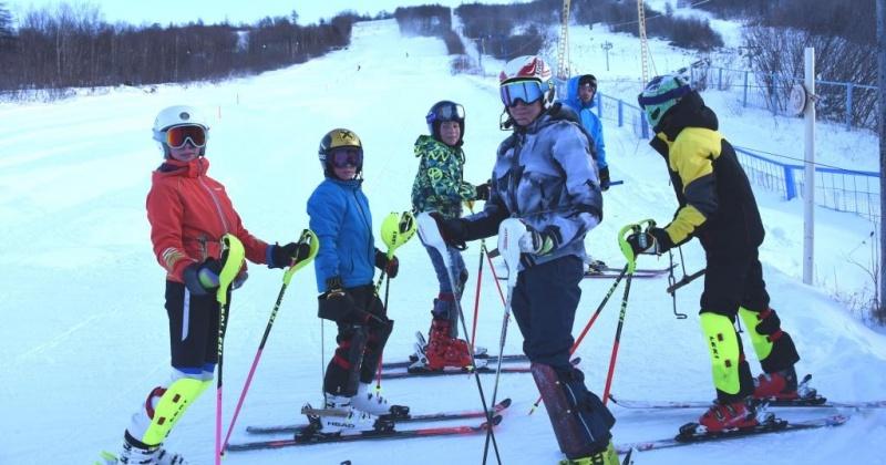 Воспитанники Русской горнолыжной школы Магадана готовятся ко Всероссийским соревнованиям