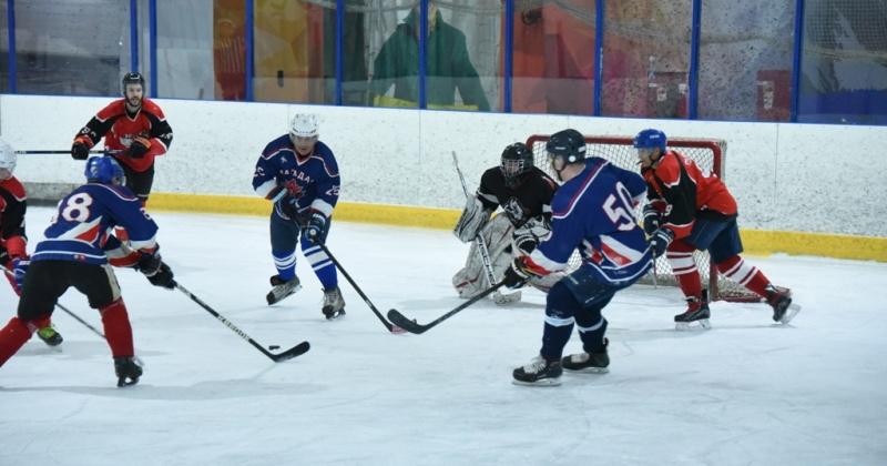 В Магадане продолжается девятый отборочный этап «Ночной хоккейной лиги»