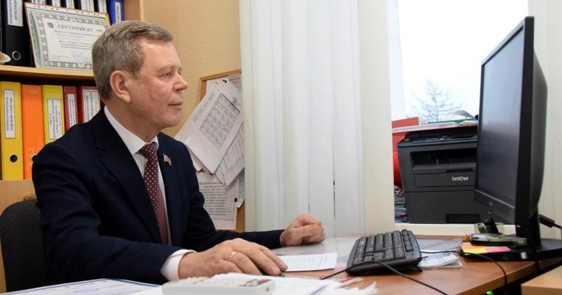 Свои знания в юриспруденции проверили депутаты областной Думы в Магадане