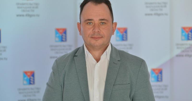 Уполномоченный по правам ребенка Денис Павлик открыл очный этап правового диктанта в школе №28