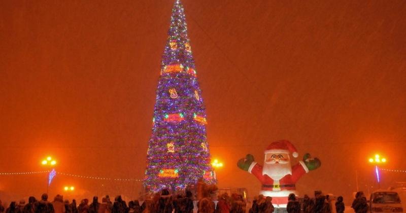 Главную елку Магадана зажгут 13 декабря