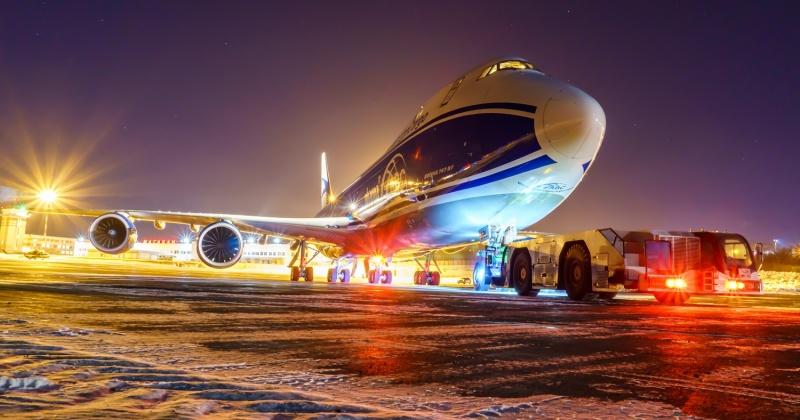 Первый рейс Boeing 747-8F прилетел в аэропорт Магадан (Фото)