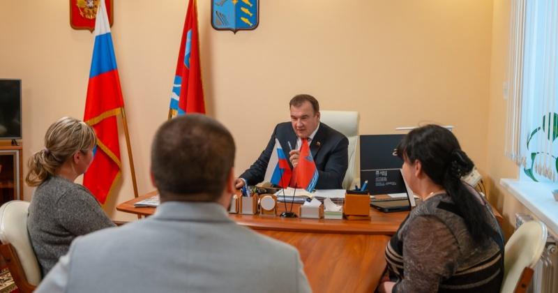 Михаил Тумашов обсудил с общественными активистами подготовку к новогодним праздникам