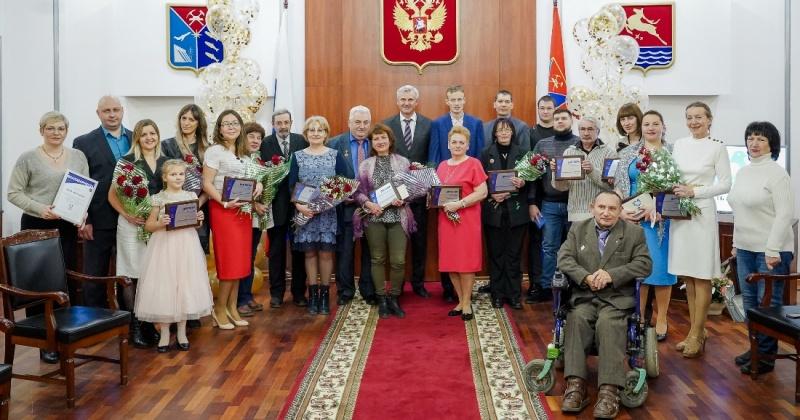 Губернатор Сергей Носов вручил премии «Признание» и дипломы конкурса «Гордость Колымы»