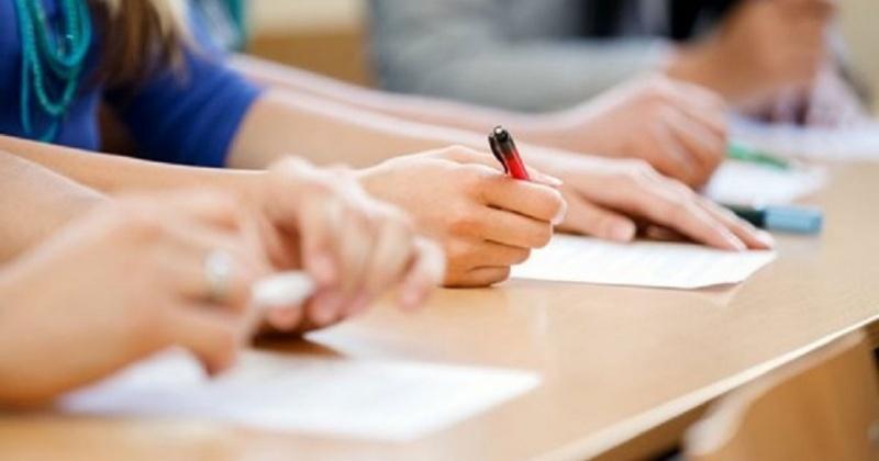 Большинство выпускников школ Магадана справились с итоговым сочинением
