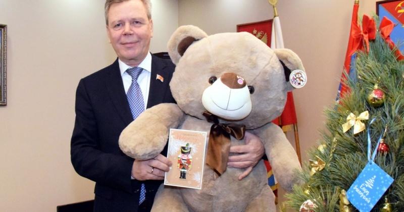 Сергей Абрамов вновь присоединился к новогодней благотворительной акции «Елка желаний»