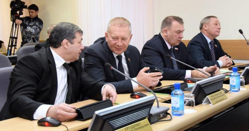 Парламентарии сделали более эффективной процедуру формирования Общественной палаты Колымы и довыборов