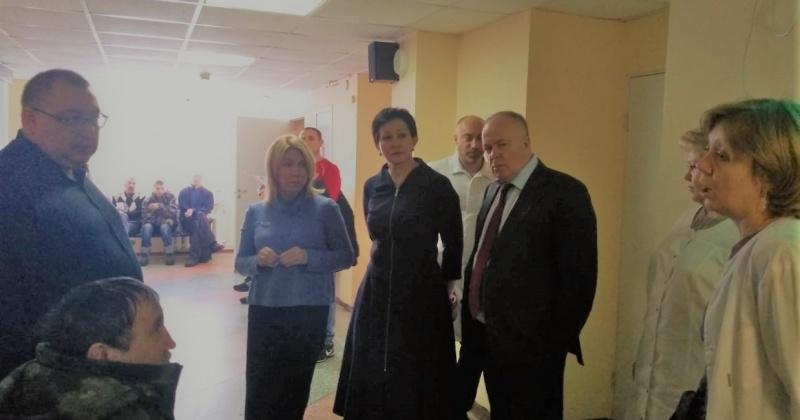 Оксана Бондарь: В поликлинике № 3 Магадана (ныне амбулаторное отделение) наметились подвижки в прохождении медосмотров