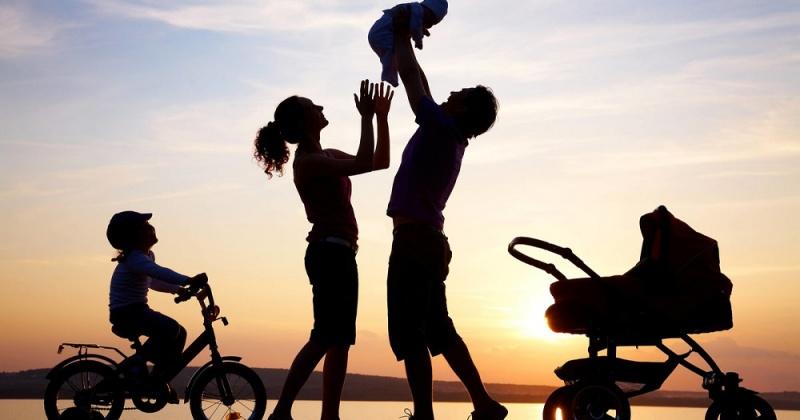 В 2020 году при рождении или усыновлении первого ребенка семьи Магадана и Колымы продолжат получать денежные выплаты