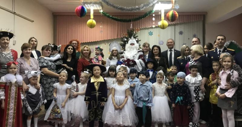 Воспитанники детского дома «Надежда» получили подарки от губернатора Магаданской области