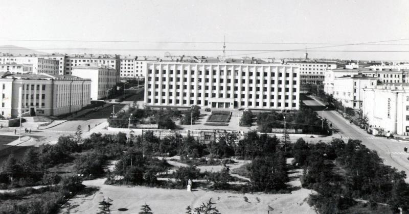 Строительство здания горисполкома  в Магадане было закончено 30 декабря 1968 г.