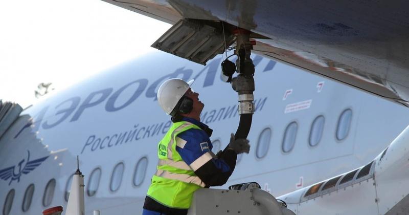"""""""Аэрофлот"""" ввел топливный сбор для """"комфорта"""" и """"бизнеса"""" на рейсах между Москвой и Магаданом"""