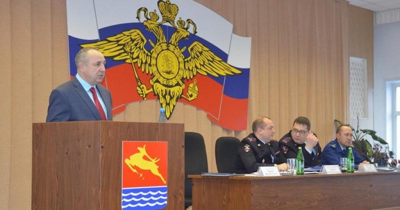 Глава Магадана Юрий Гришан поблагодарил полицейских за профессионализм и обеспечение общественного порядка в городе