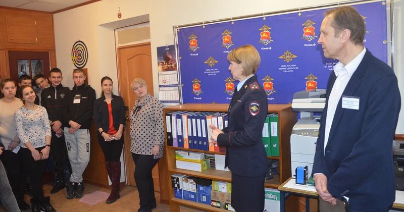 Участники акции «Студенческий десант-2020» ознакомились с работой пресс-службы УМВД России по Магаданской области