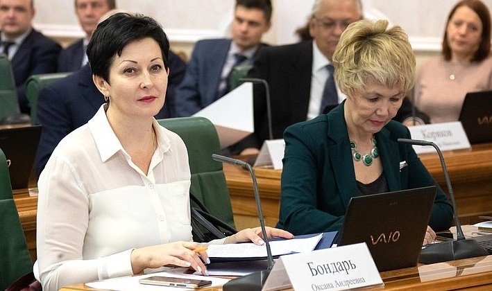 Неизрасходованные средства останутся в территориальных фондах ОМС - Оксана Бондарь